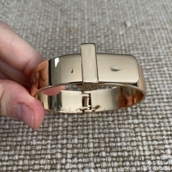 Urban Outfitters Gold buckle bracelet
